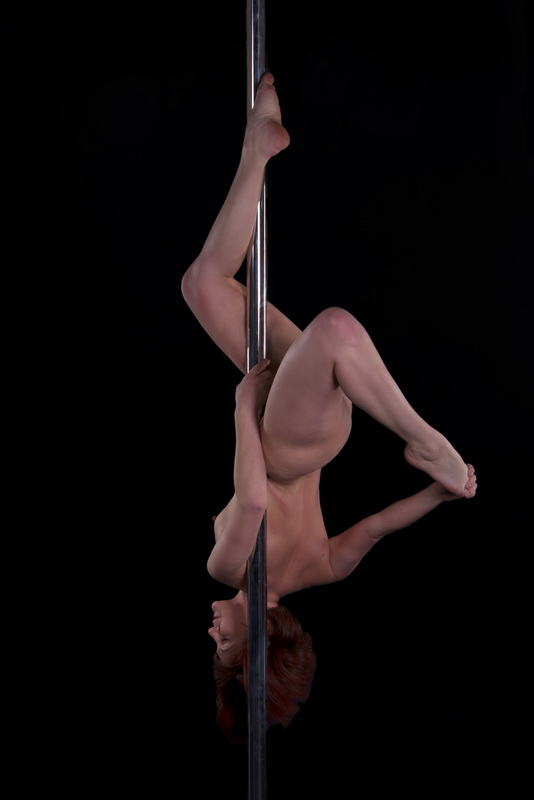 People danceing nude pole